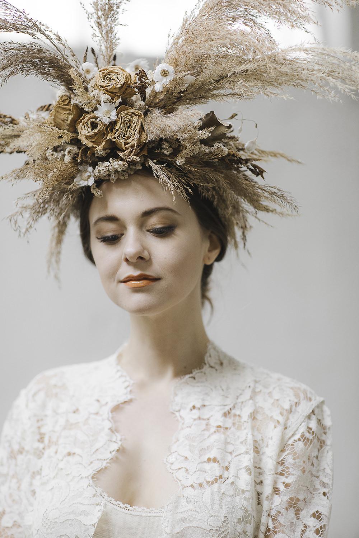 Bride Bridal Flower Crown Headdress Dried Flowers Pampas Grass Ethereal Artistic Wedding Ideas Francesca Francesca