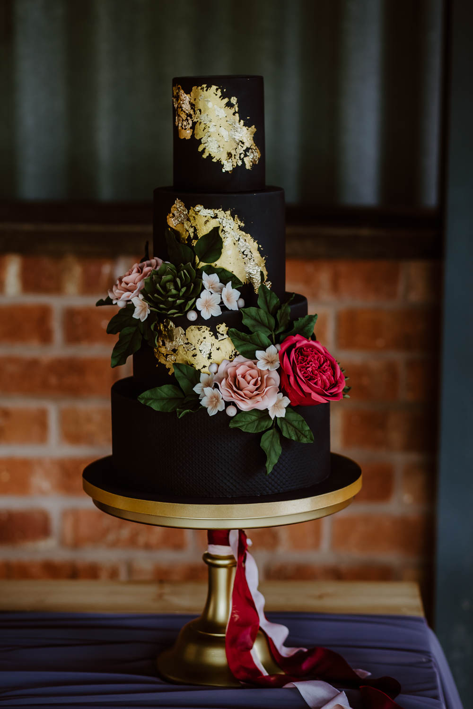 Black Gold Leaf Cake Floral Giraffe Shed Wedding When Charlie Met Hannah