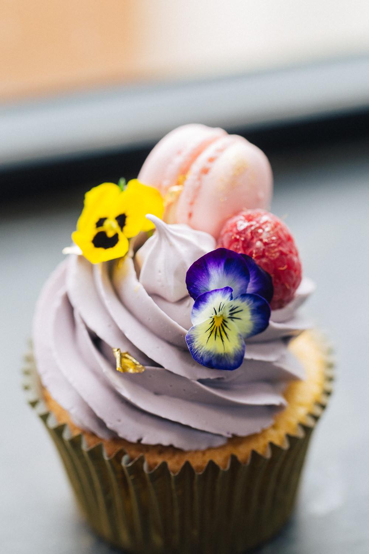 Pastel Cupcakes Macaron Flowers Playful Cool Wedding Ideas Sophie Lake Photography