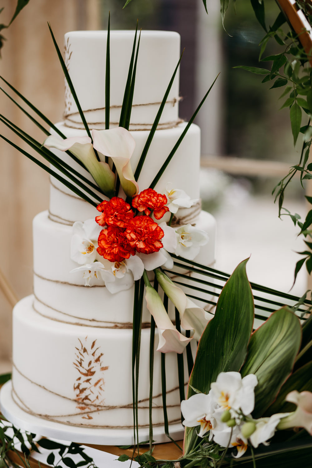 Cake Leaves Twine Pineapples Tropical Wedding Ideas When Charlie Met Hannah
