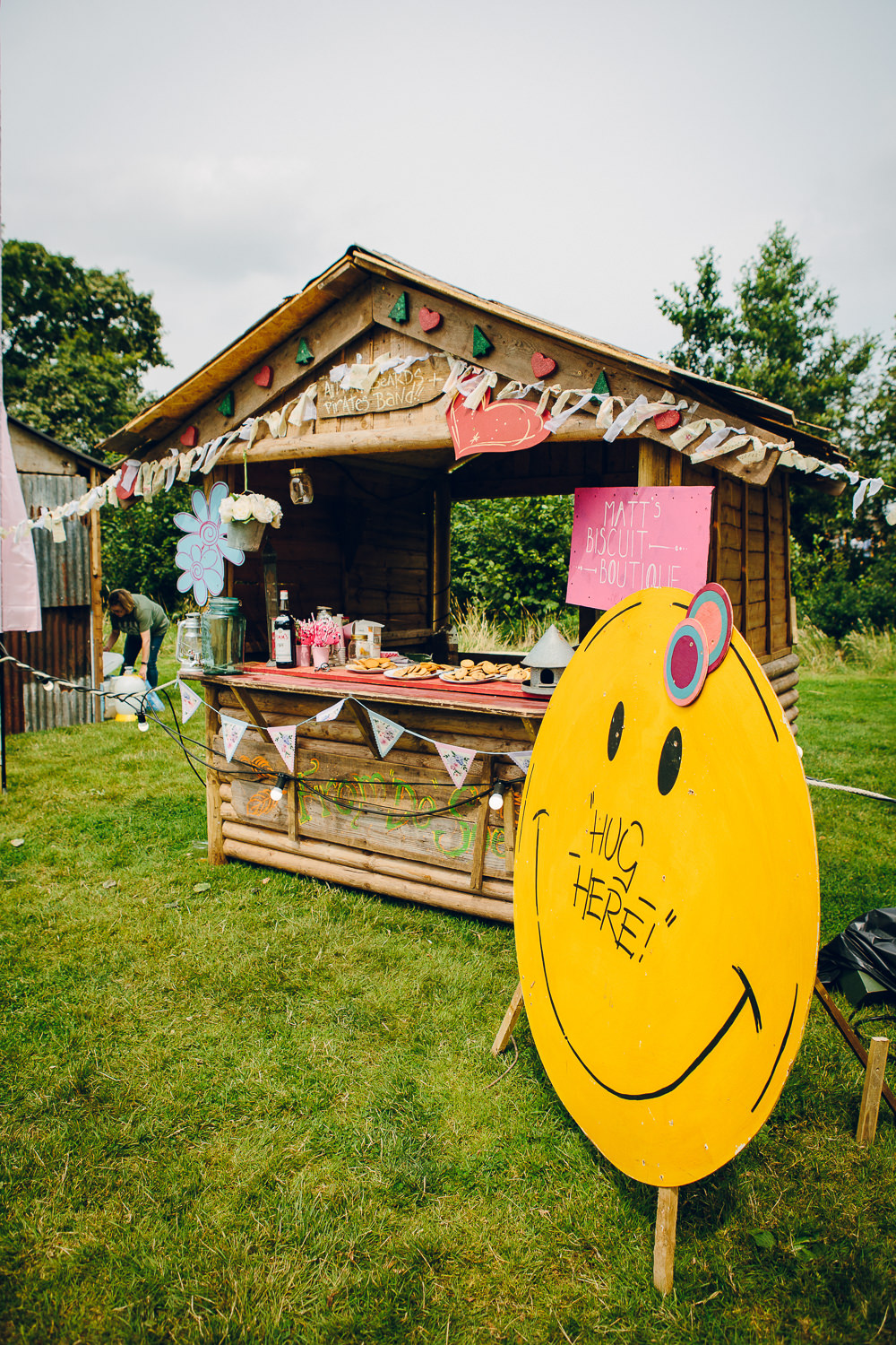 Biscuit Shed Stand Station Bar Alderford Lake Wedding Amy B Photography