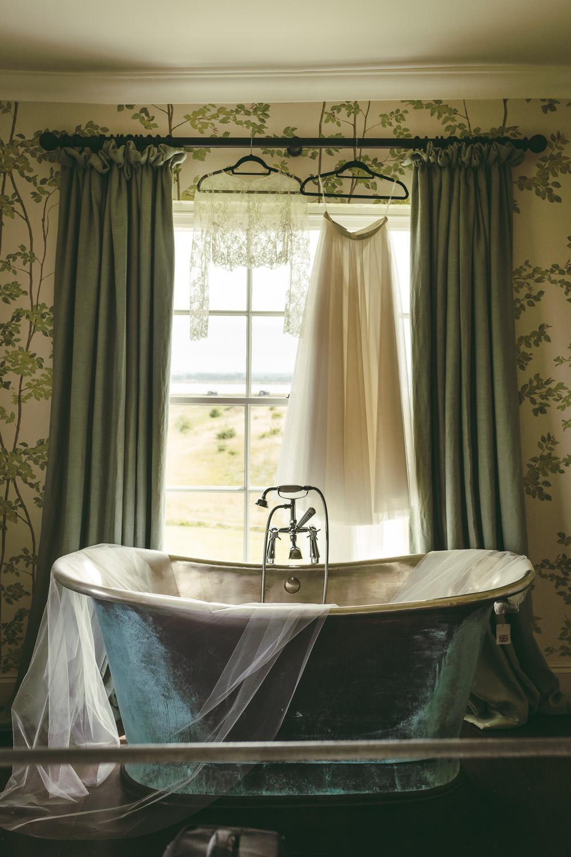 Roll Top Bath Veil Dress Kingshill Barn Wedding Sandra Reddin Photography