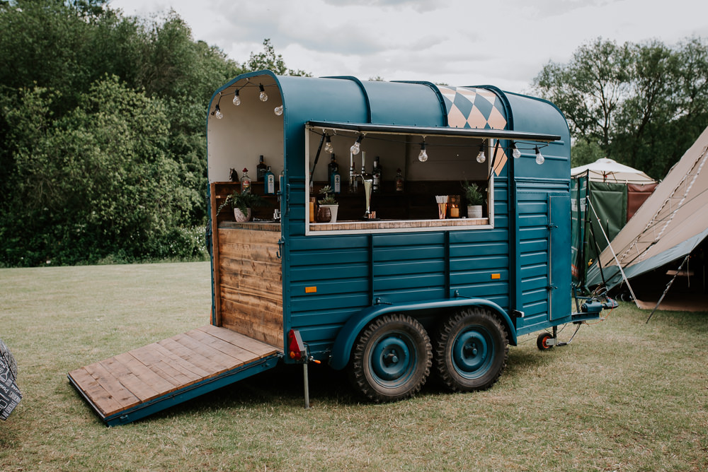Horse Box Bar Tipi Hertfordshire Wedding Michelle Cordner Photography