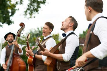 10 Eco-Friendly Wedding Entertainment Ideas