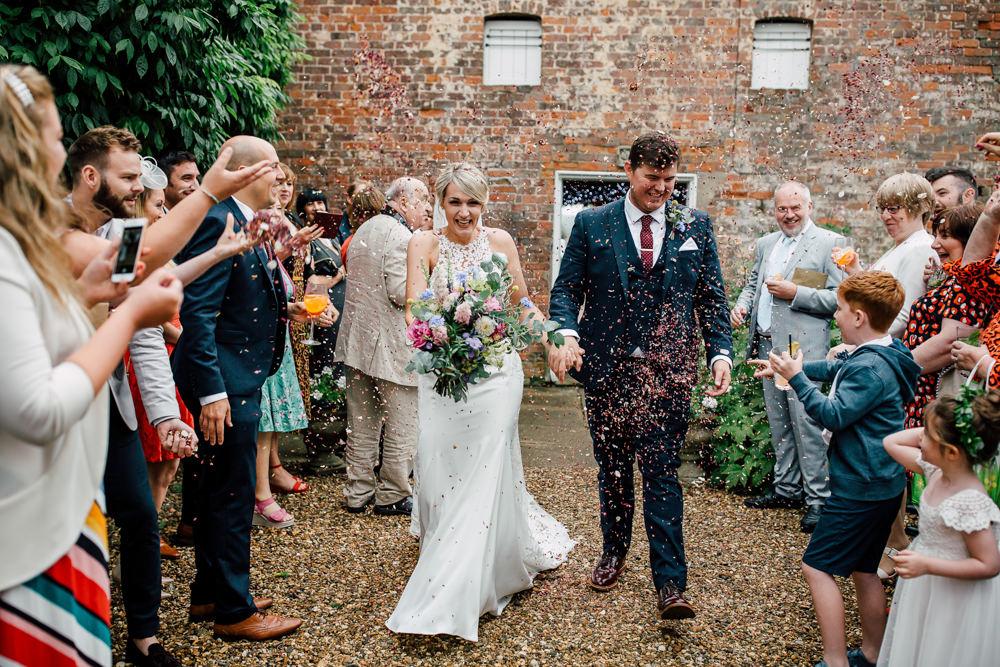 Confetti Throw Barff Country House Wedding Sarah Beth Photo