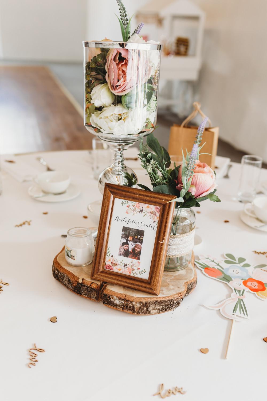 Table Centrepiece Decor Flowers Log Slice Frame Table Name Glass Crug Glas Country House Wedding Simon Murray Images