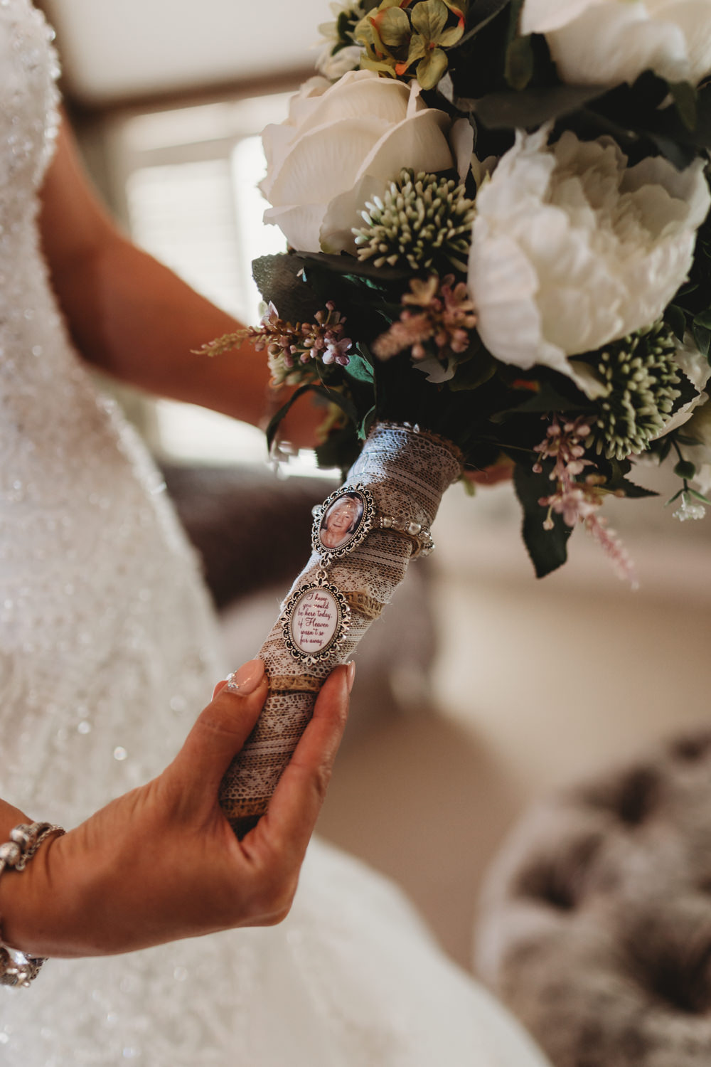 Bouquet Wrap Brooch Crug Glas Country House Wedding Simon Murray Images