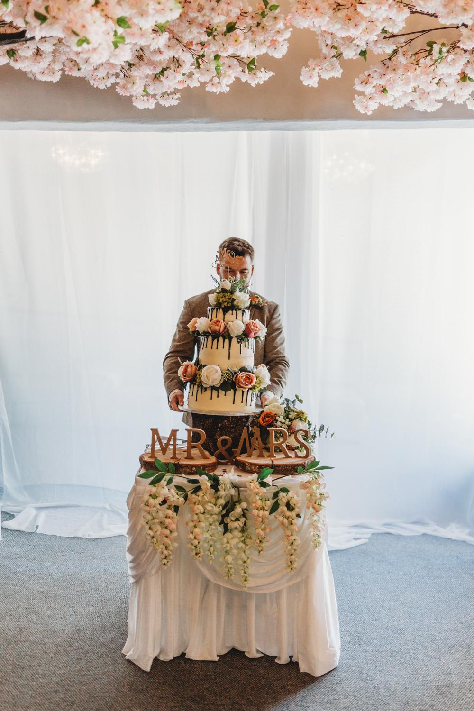 Cake Table Flowers Crug Glas Country House Wedding Simon Murray Images