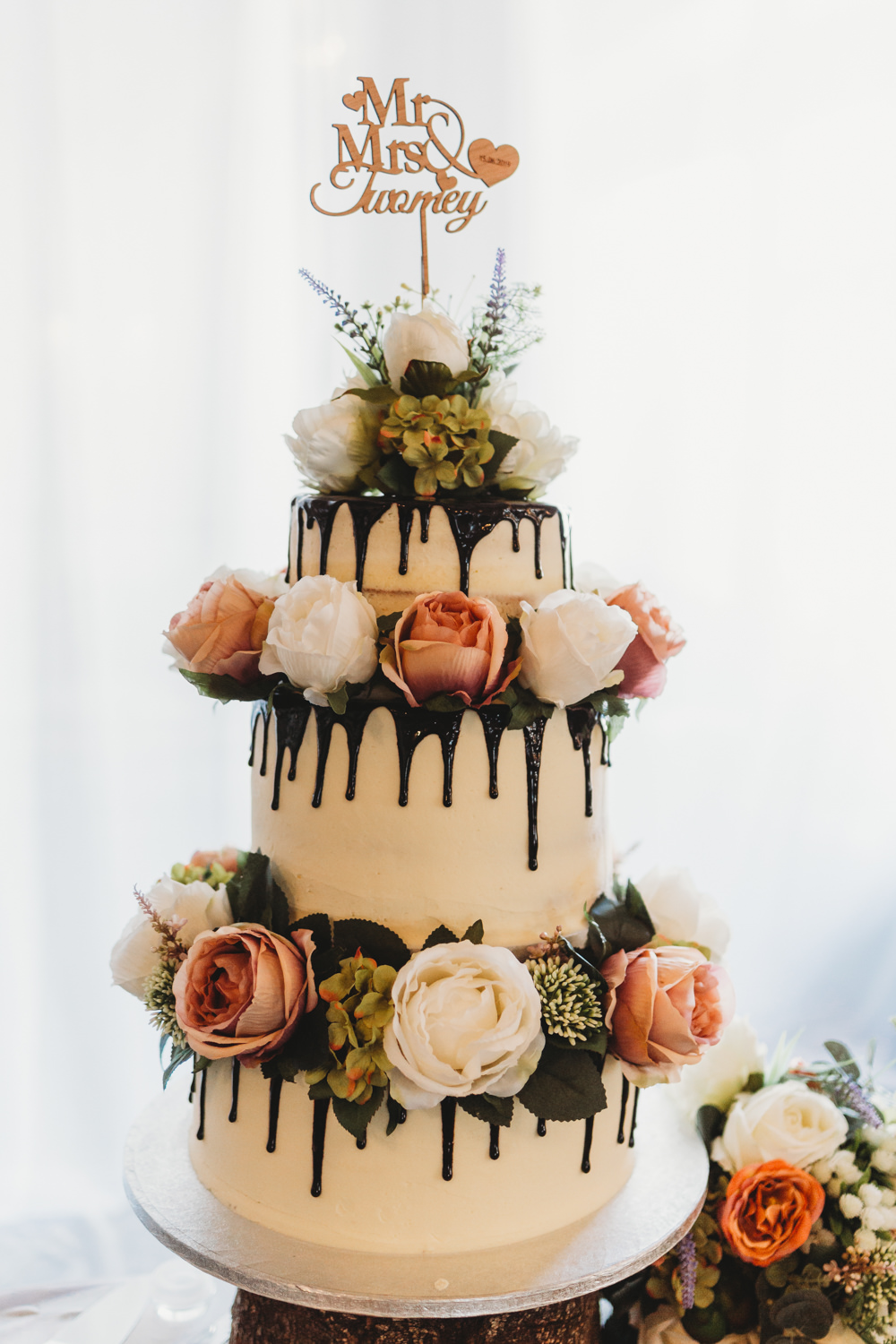 Drip Cake Flowers Topper Crug Glas Country House Wedding Simon Murray Images
