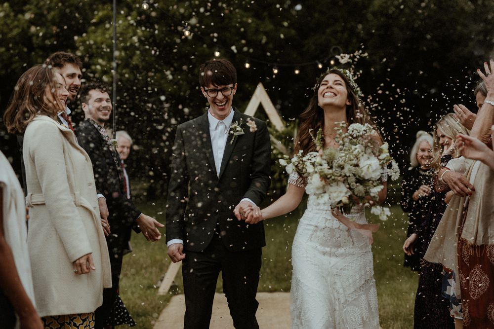 Confetti Throw Outdoor Wedding UK Olivia and Dan Photography