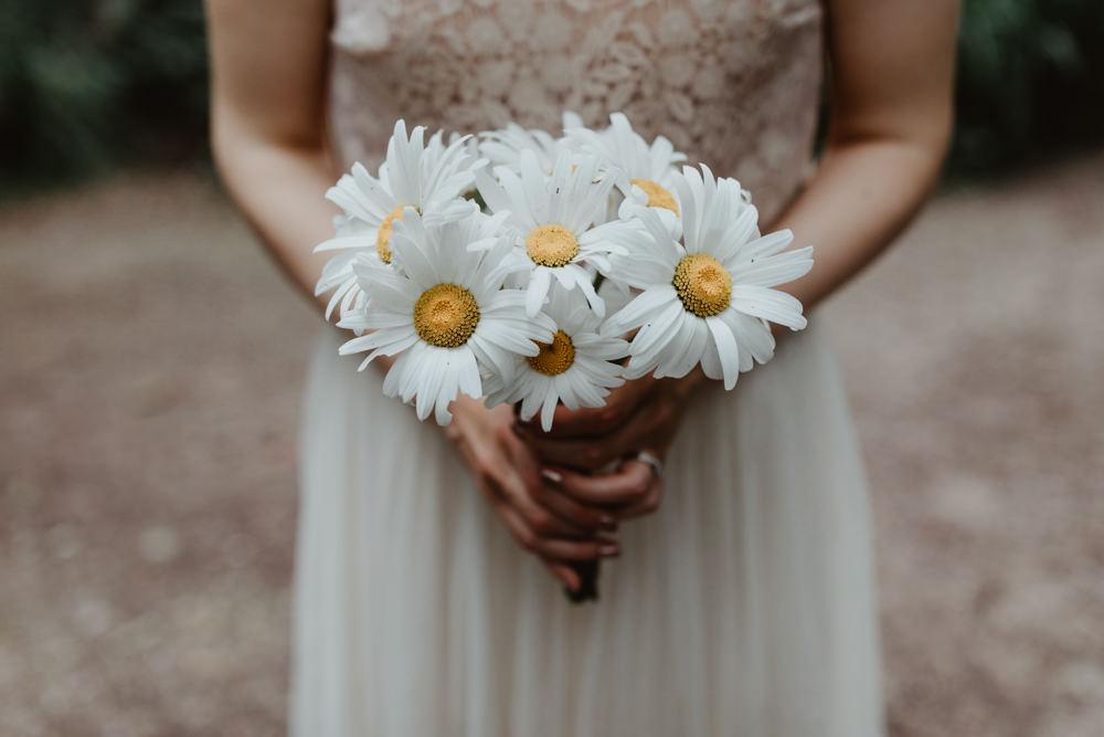 Bouquet Flowers Bride Bridal Daisy Bird Hide Wedding Stevie Jay Photography