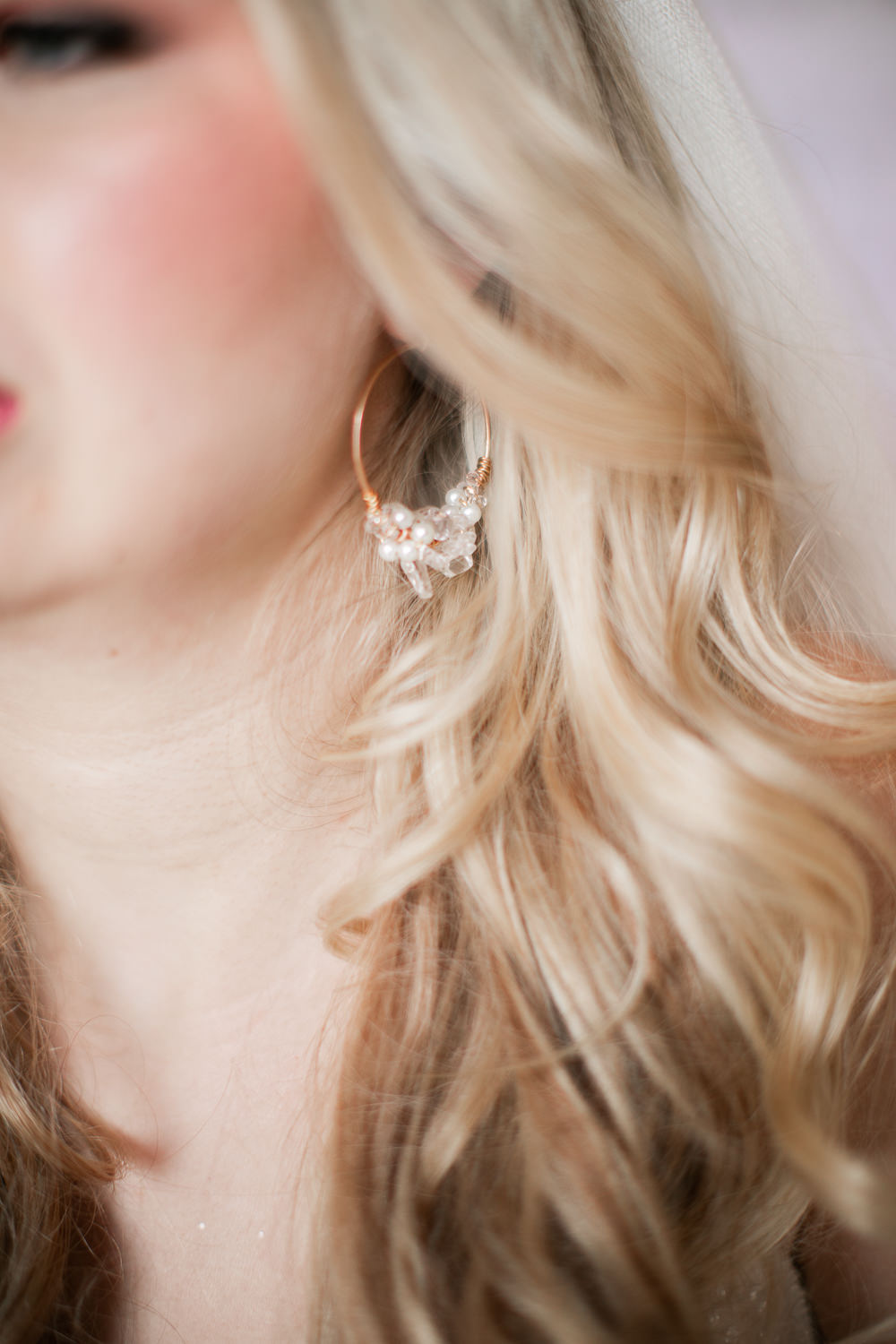 Bride Bridal Hoop Earrings Coral Peach Wedding Ideas Courtney Dee Photography