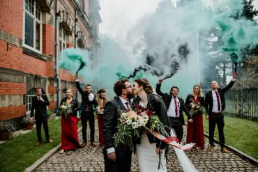 Indie Autumn Wedding Kazooieloki Photography Smoke Bomb Portrait Photo Photos Group