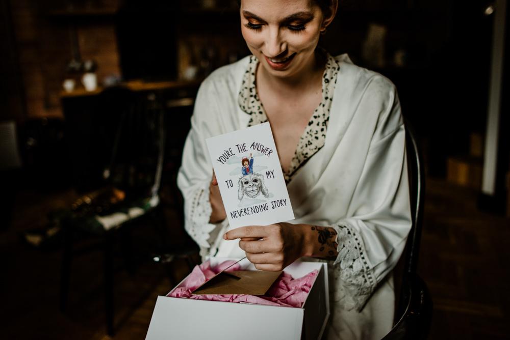 Bride Bridal Gift Box Present Indie Autumn Wedding Kazooieloki Photography