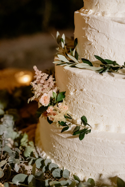 Buttercream Cake Flowers Candles Greenery Natural Italy Villa Wedding Flavia Eleonora Tullio