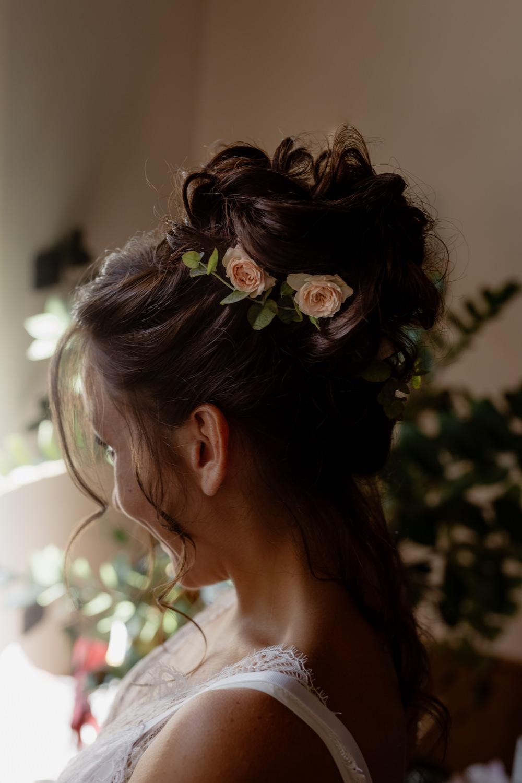 Bride Bridal Hair Style Up Do Bun Flowers Natural Italy Villa Wedding Flavia Eleonora Tullio