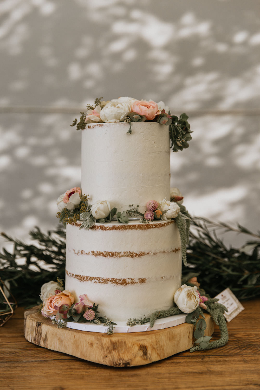 Semi Naked Cake Flowers Log Stand Summer Boho Wedding Wild Tide Weddings
