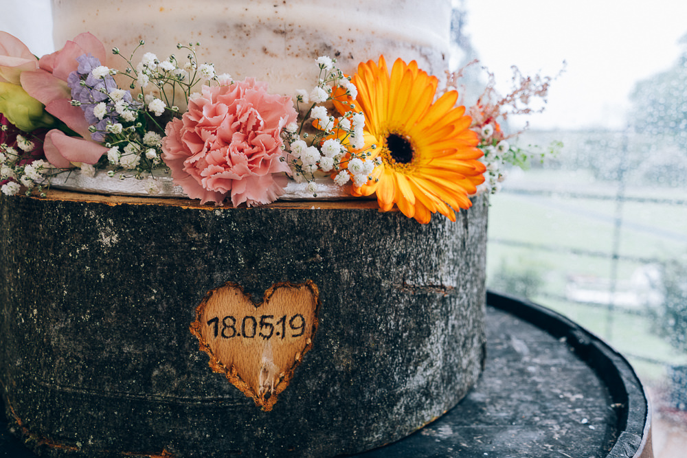Semi Naked Cake Tall Flowers Floral Bunting Topper Stand Log Slice Tullibole Castle Wedding Casey Avenue Photography