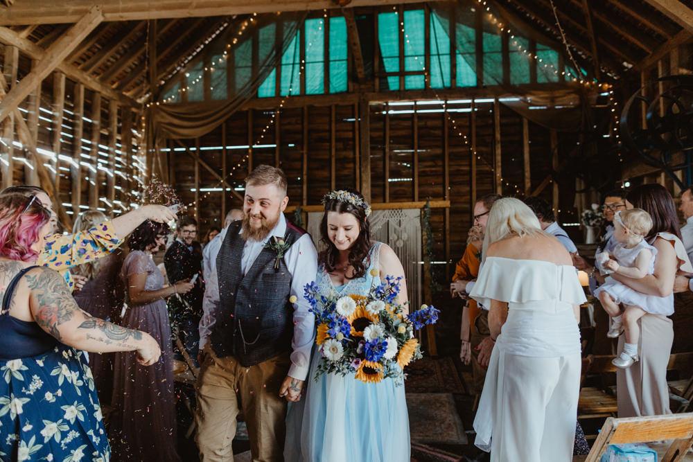 Confetti Barns Lodge Farm Wedding Stevie Jay Photography