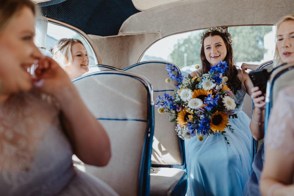 Bouquet Flowers Bride Bridal Sunflower Gerbera Barns Lodge Farm Wedding Stevie Jay Photography