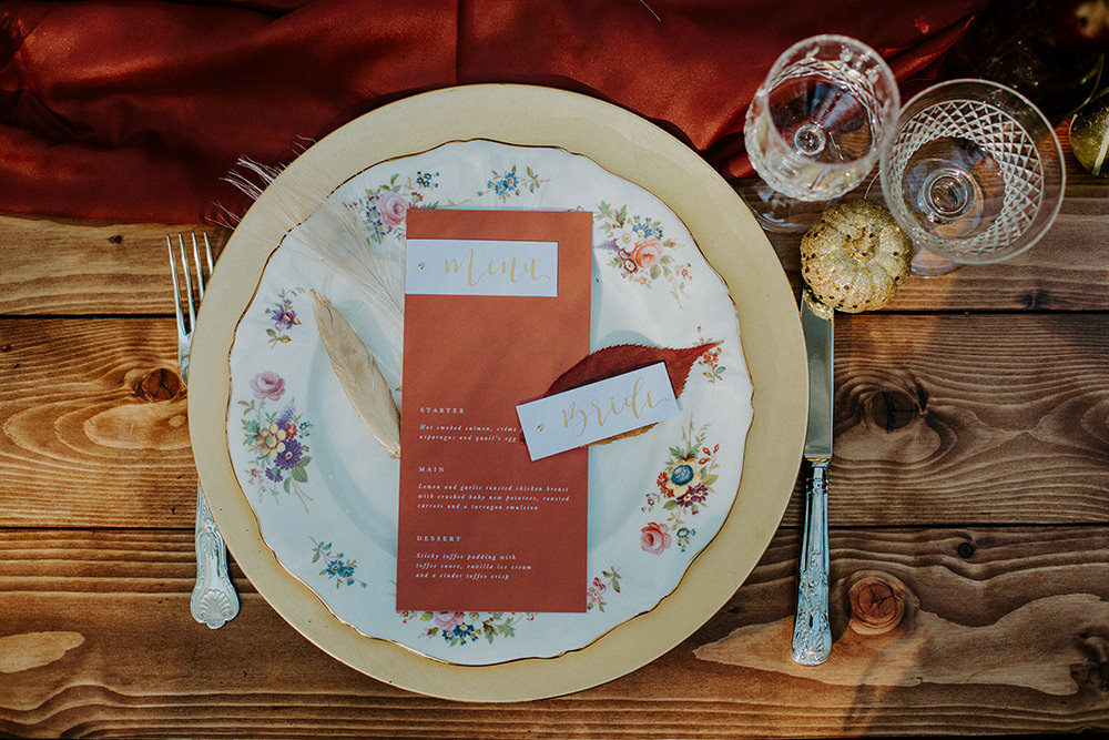 Place Setting Decor Rust Menu Leaf Grass Place Name Boho Wedding Ideas The Enlight Project