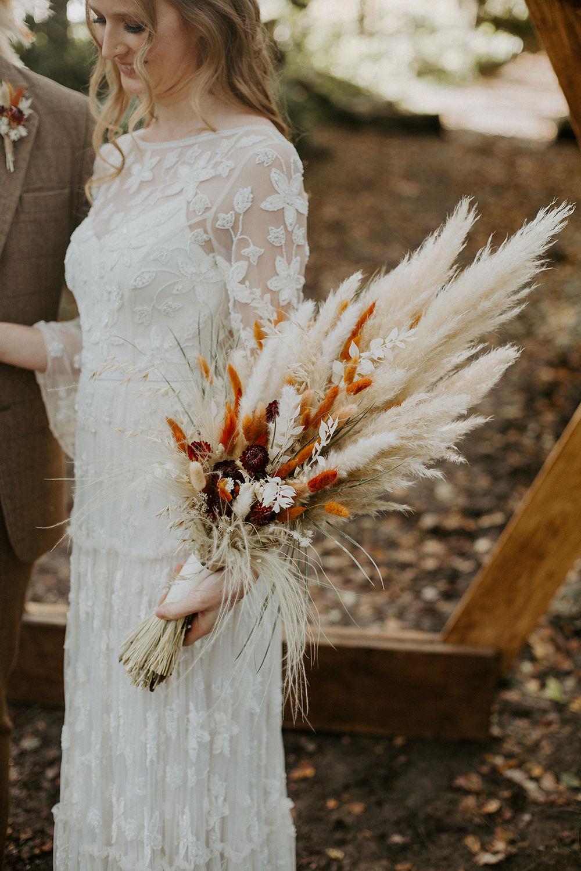 Bouquet Flowers Bride Bridal Pampas Grass Grasses Autumn Boho Wedding Ideas The Enlight Project