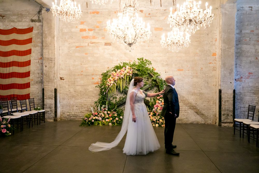 First Look Floral Minneapolis Wedding Jeannine Marie Photography