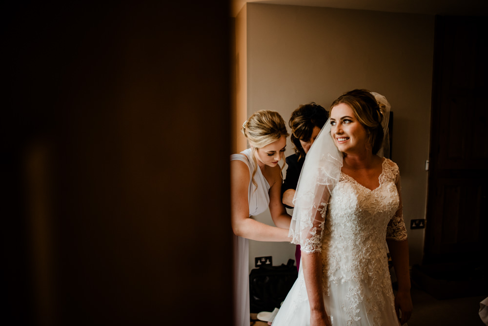 Dress Gown Bride Bridal Lace Veil Fun Barn Wedding Kazooieloki Photography