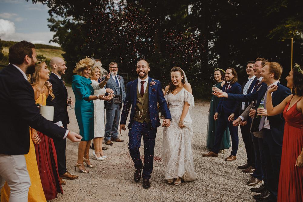 Confetti Wiltshire Barn Wedding Photography34