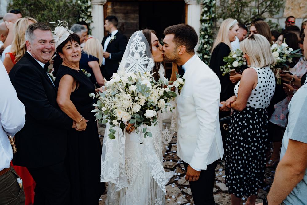 Confetti Throw Aquapetra Resort Spa Wedding Peter Hughes Photography