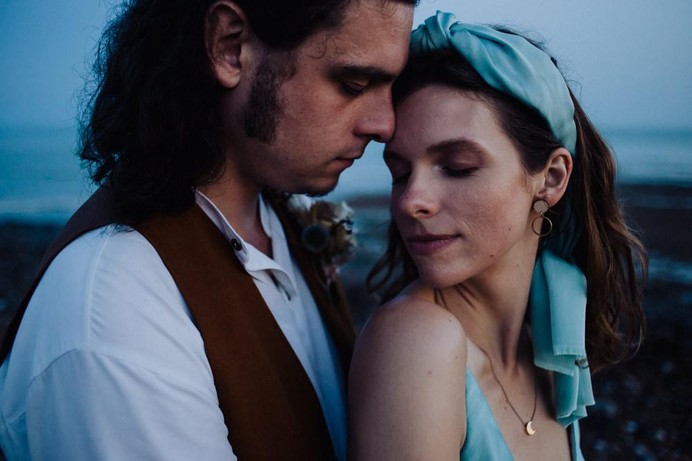 Bride Bridal Headband Blue Make Up Coastal Elopement Manon Pauffin Photography
