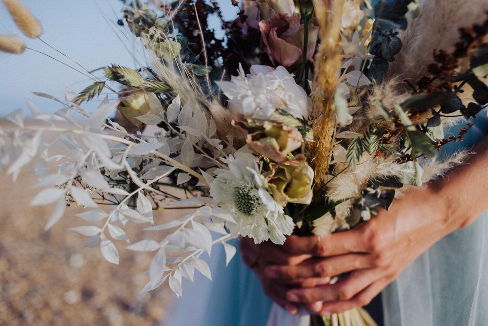Bouquet Flowers Bride Bridal Dried Grass Seeds Coastal Elopement Manon Pauffin Photography