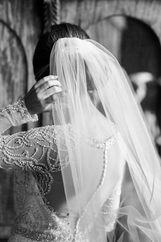 Bride Bridal Hair Style Veil Decadent Christmas Wedding Jessica Raphael Photography