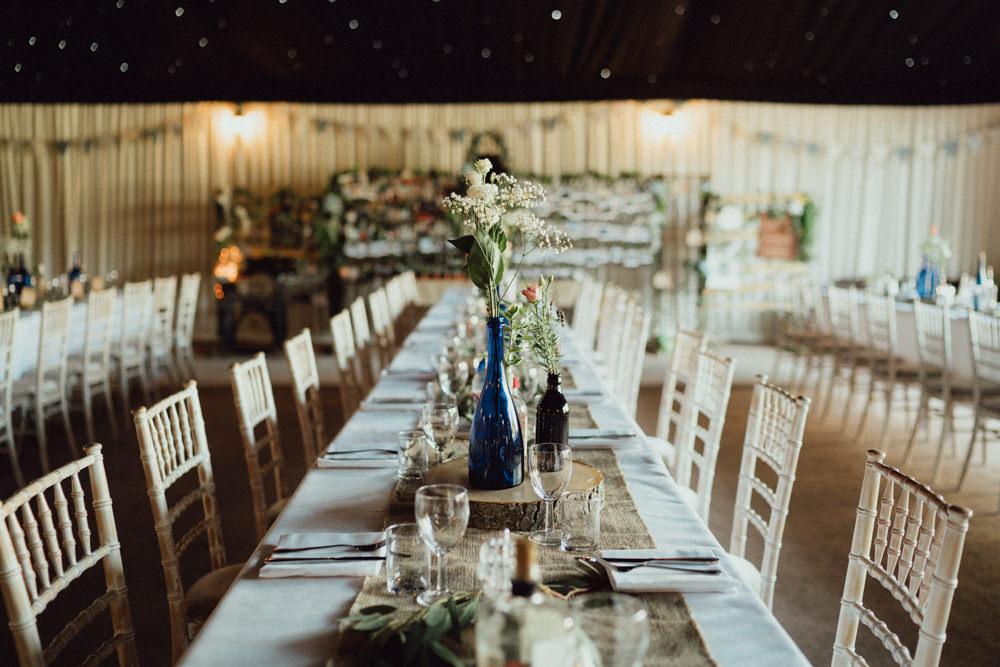 Long Tables Hessian Log Slices Pitt Hall Barn Wedding Emily & Steve Photography