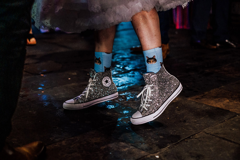 Silver Glitter Converse Bride Vridal Sparkly Wedding Anna Pumer Photography