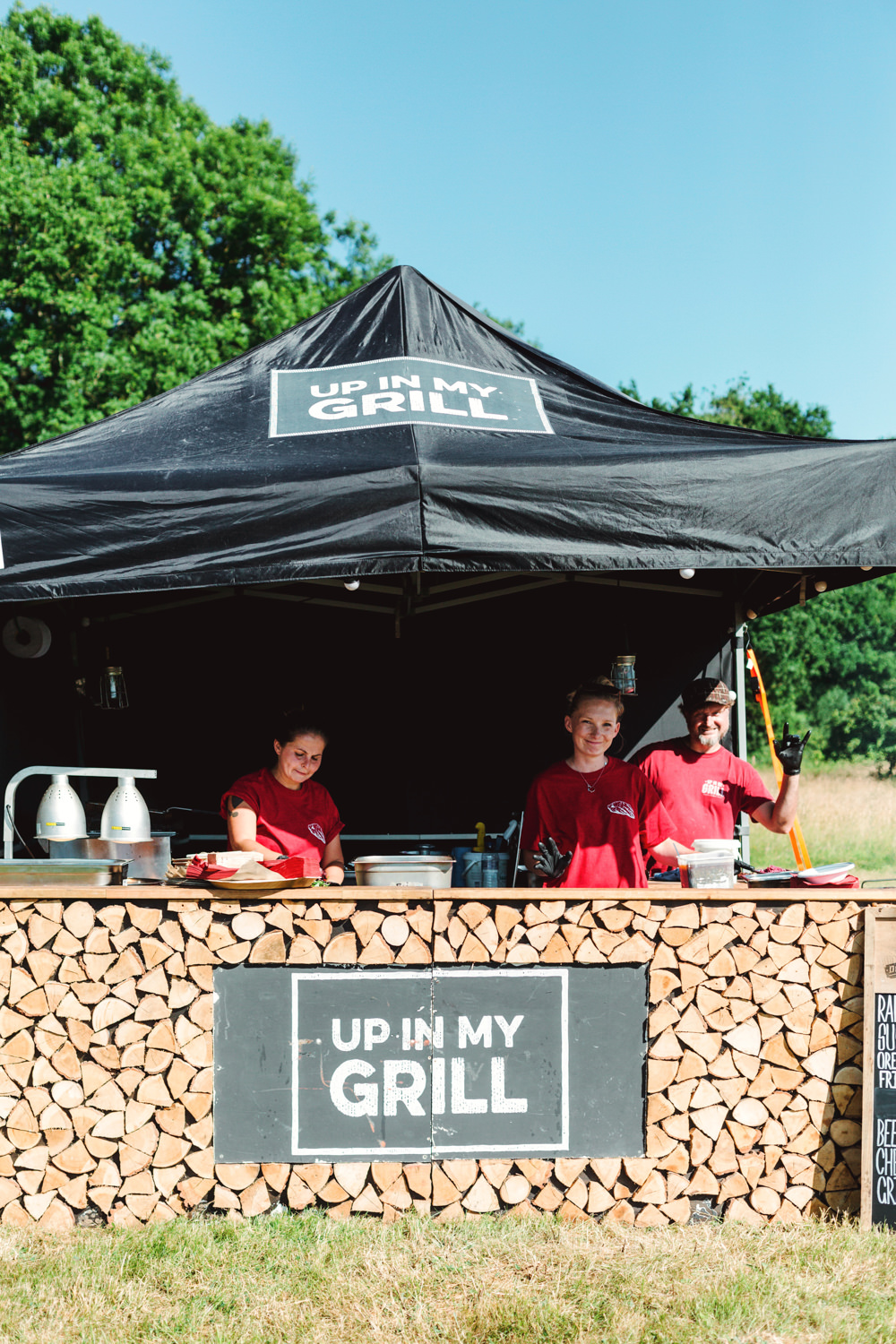 Food Truck Street Food Stall BBQ Yew Tree Lakes Wedding Charlotte Hu Photography