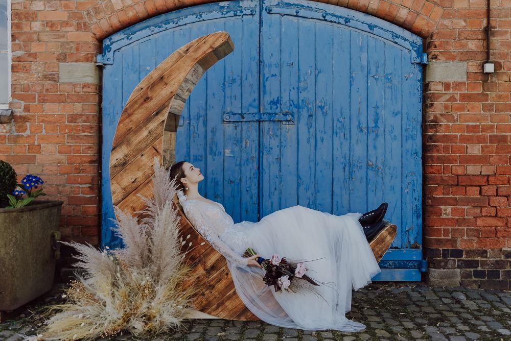 Crescent Moon Celestial Backdrop Navy Gold Wedding Ideas Gina Fernandes Photography
