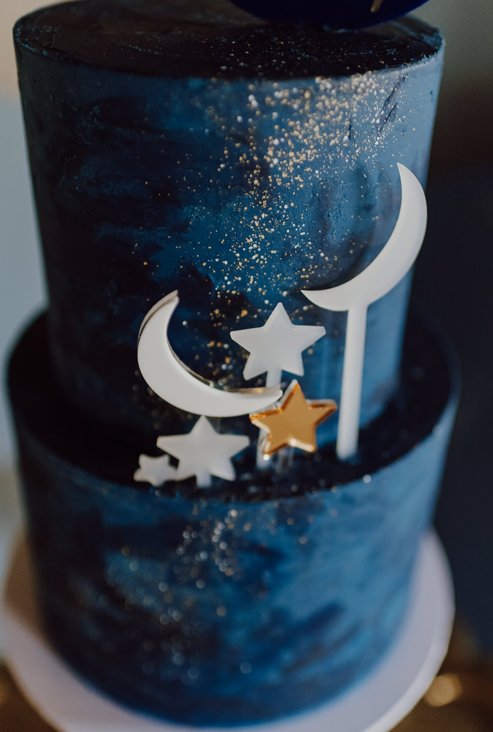 Celestial Cake Moon Stars Crescent Navy Gold Wedding Ideas Gina Fernandes Photography