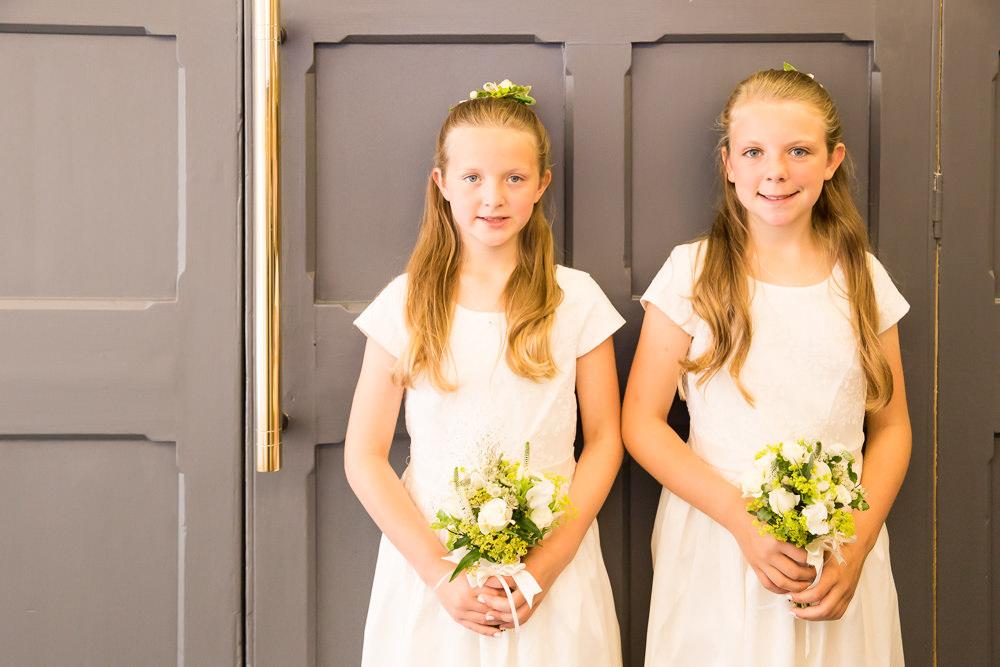 Flower Girls Fullerton Estate Wedding Hannah Larkin Photography