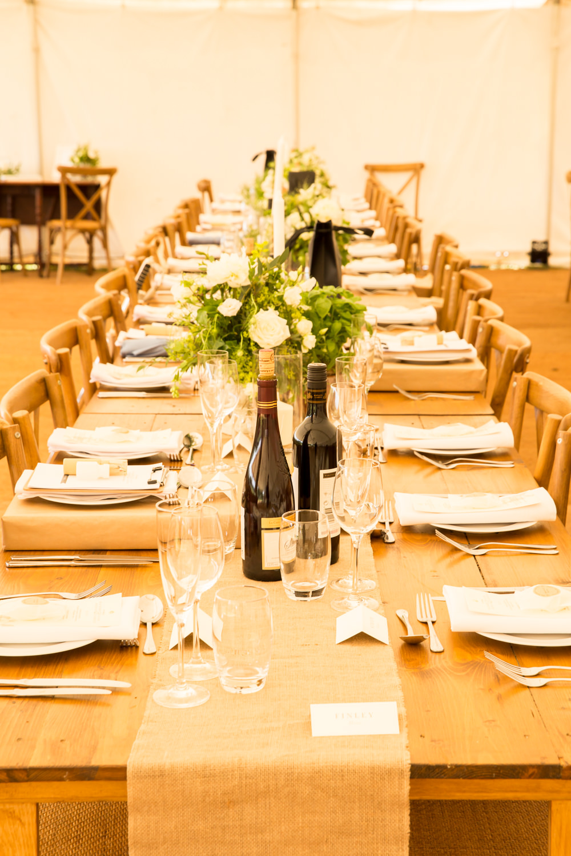 Long Tables Hessian Burlap Flowers Fullerton Estate Wedding Hannah Larkin Photography