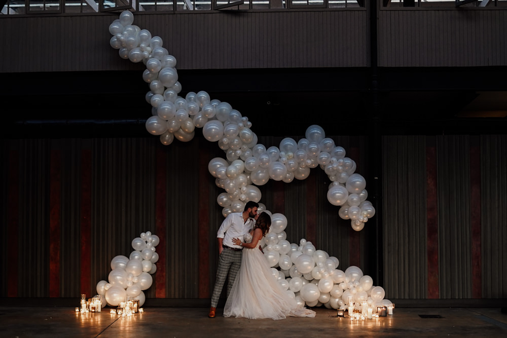 Dramatic Industrial Wedding Ideas with Incredible Balloon Installation